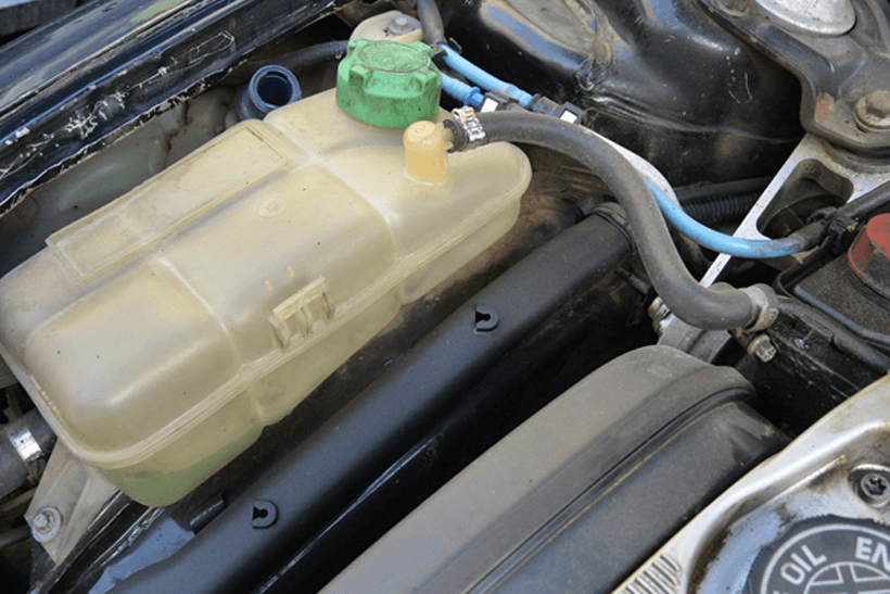 How to top up antifreeze in your car?