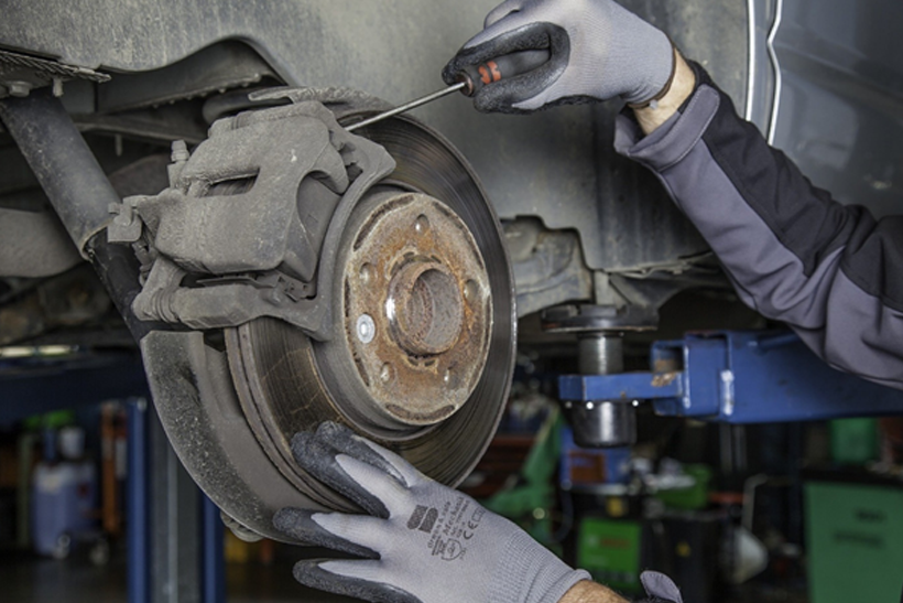 Changing brake pads: How to check and change your brake pads